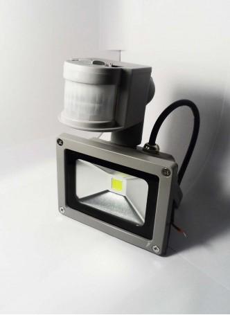 Прожектор светодидный c датчиком движения 10W